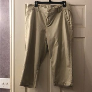 Dockers Capri Khaki Pants Size 14